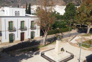 precio residencia ancianos Almería