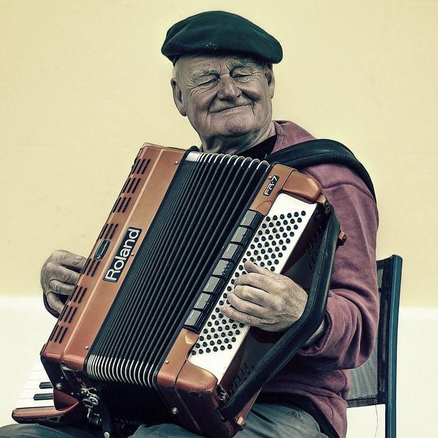 actividades entretenimiento mayores Residencia de ancianos Almería SIERRA SALUD
